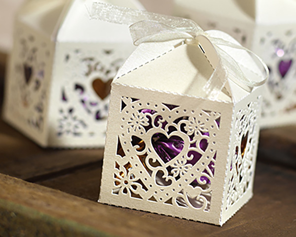Guests will love this ivory cut-out heart design box. Just add your choice of small gift or candy, for a unique Spring bridal shower favor.