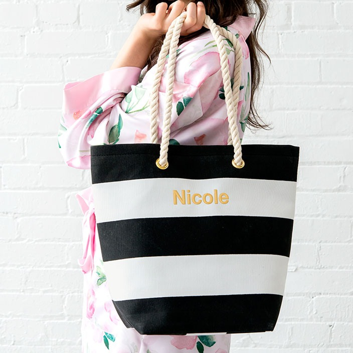 Canvas beach bag in various colors that can be personalized.